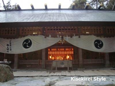 椿大神社本殿