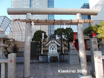 三圍神社(日本橋三越屋上)