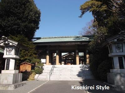 東郷神社正面